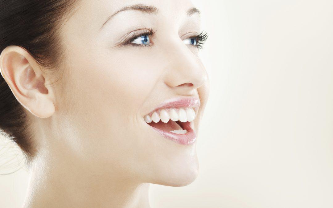 Ce que votre sourire révèle de votre personnalité
